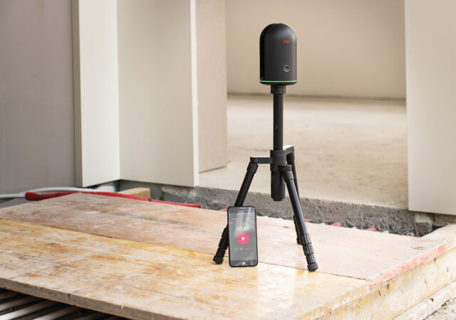 Leica-Cyclone-FIELD-360-&-BLK360-with-SmartPhone-0919-(24)(ENT_